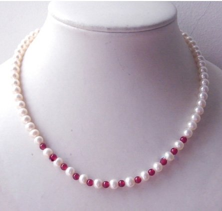 "17"" 6-7mm pearl and red agate necklace"