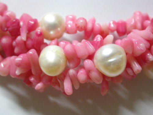 18'' Pink coral and white pearl necklace