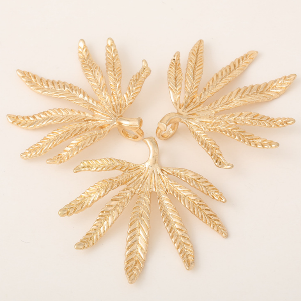 5 pcs 24k gold plated The leaf pendant brass spacer beads  brass caps brass connector