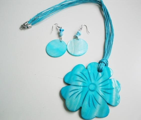Big Blue Flower MOP Shell Pendant Earrings Set