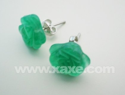 10mm carved green jade flower earrings