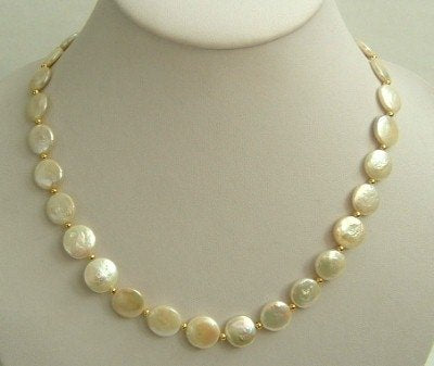 19'' long round coin freshwater peals necklace