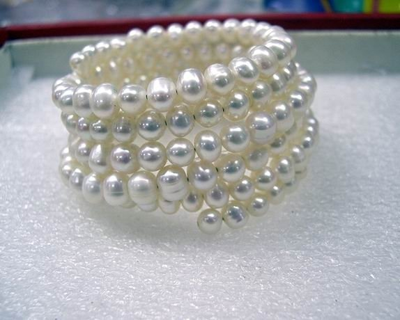 Charming 6Rows Cultured Pearl Bracelet