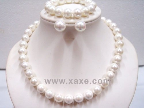 12mm white seashell pearl Necklace Bracelet Earring set
