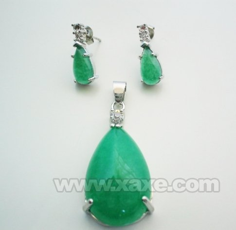green jade pendant earrings set