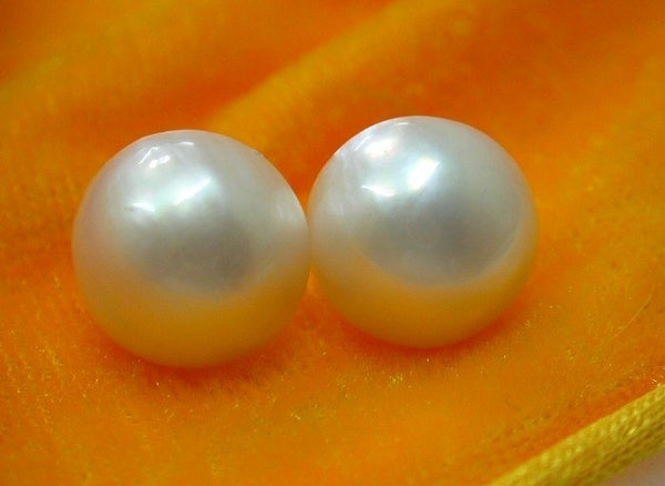 Authentic mabe 14mm semisphere white pearls earrings 14k
