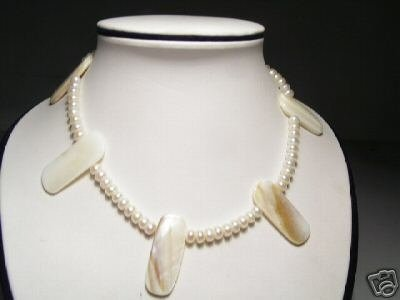 Lovely Real White FW Pearls&Shell Necklace