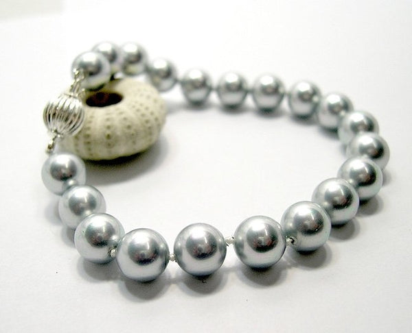 Superb 7.5'' 8mm silver-grey south sea shell bracelet