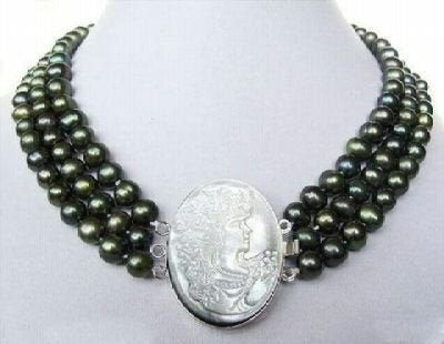 16-18'' 3 strands black pearl necklace with shell clasp