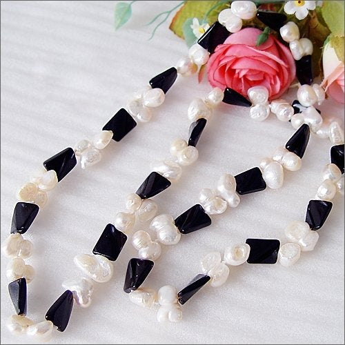 "30"" long white pearl black agate necklace"