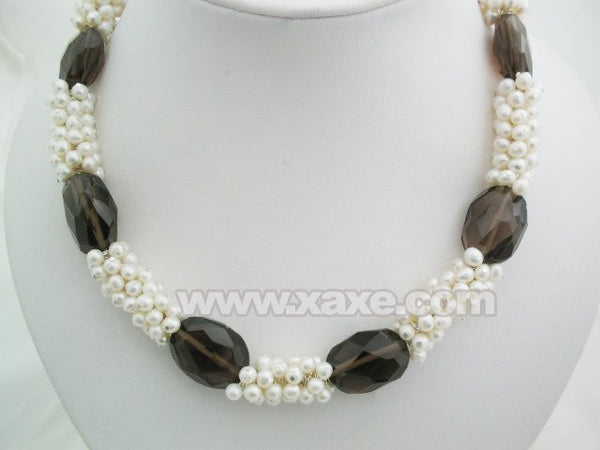 17.5'' hand work white pearl & big crystal necklace
