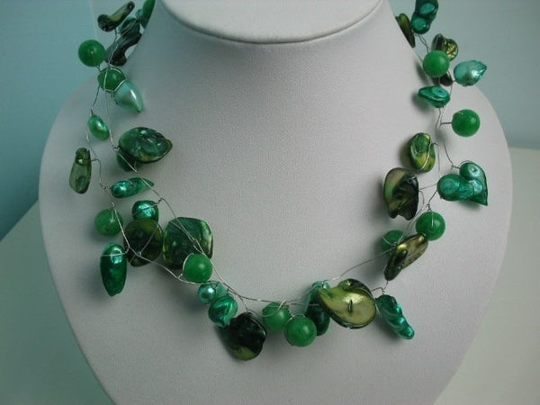 18'' green shell jade and pearl wire necklace