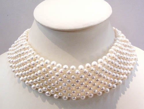 15'' white freshwater pearl necklace choker
