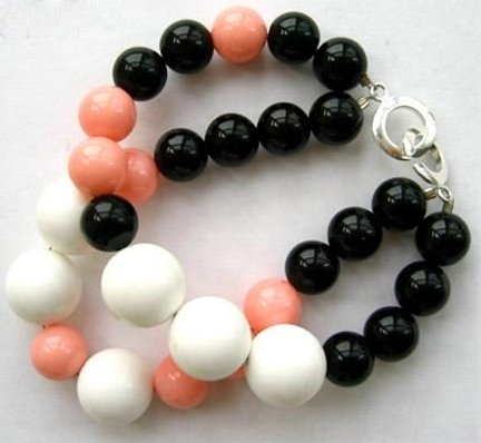 "7.5"" 10-14mm coral and agate bracelet"