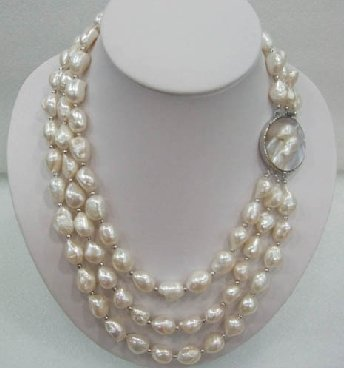 "17-19"" big baroque white pearl necklace and mabe clasp"