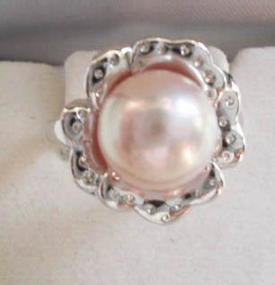 Pearl ring on silver holder - PR1093