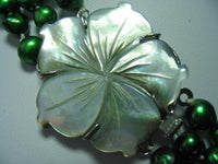 "18""-20"" 3-stands green pearl& flower shell clasp"