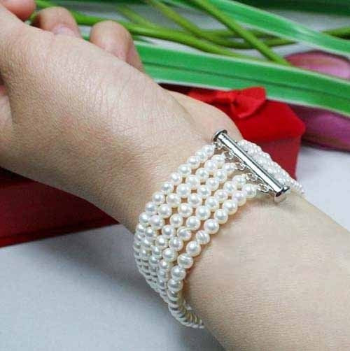"7"" 3-4mm white pearl bracelet"