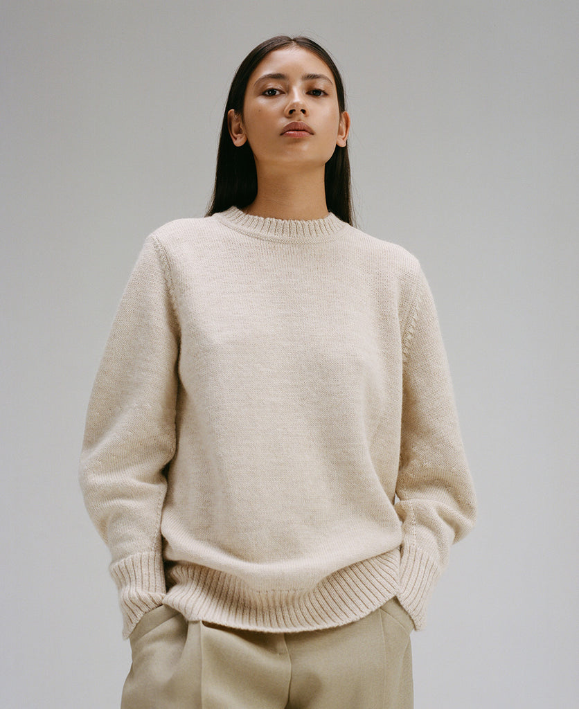 Edition 3 - 0002 oversized knitted sweater with curved sleeves