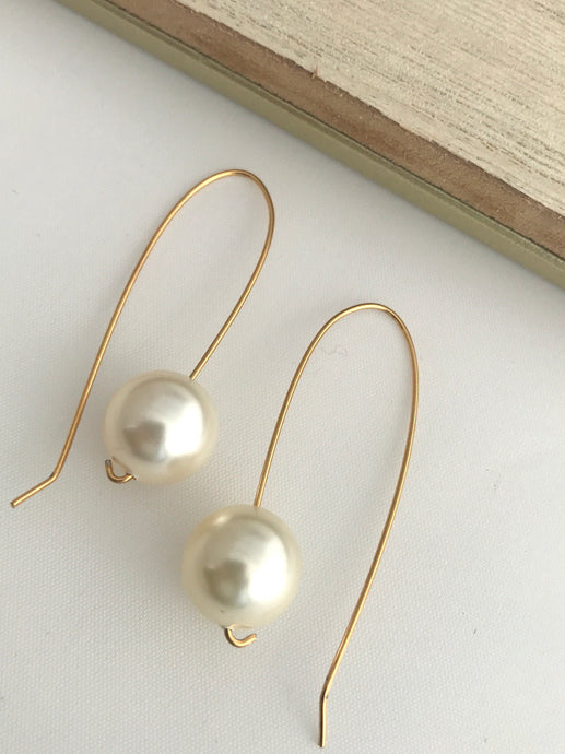 Pearl and Gold Earrings - alisonwalshjewellery