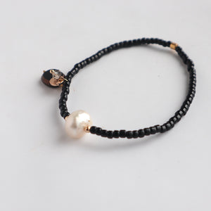 Single Pearl and Black Bracelet