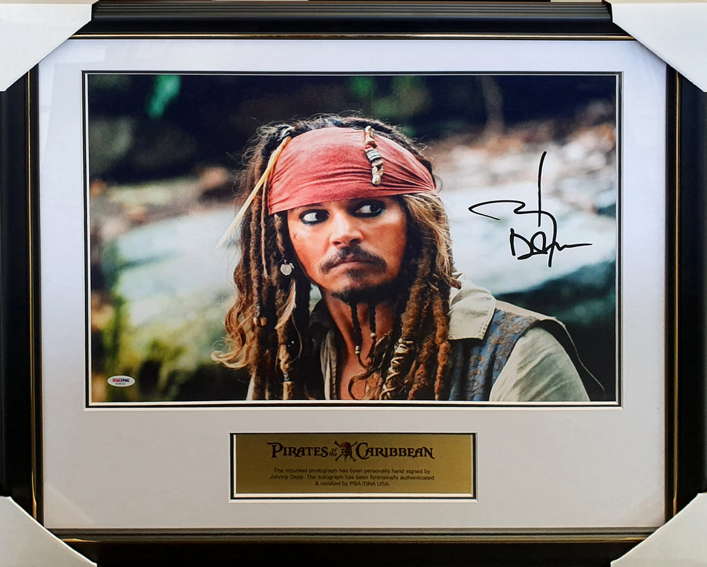 Pirates of the Caribbean Johnny Depp Signed & Framed 16x20 inch photo - PSA DNA #AD96762