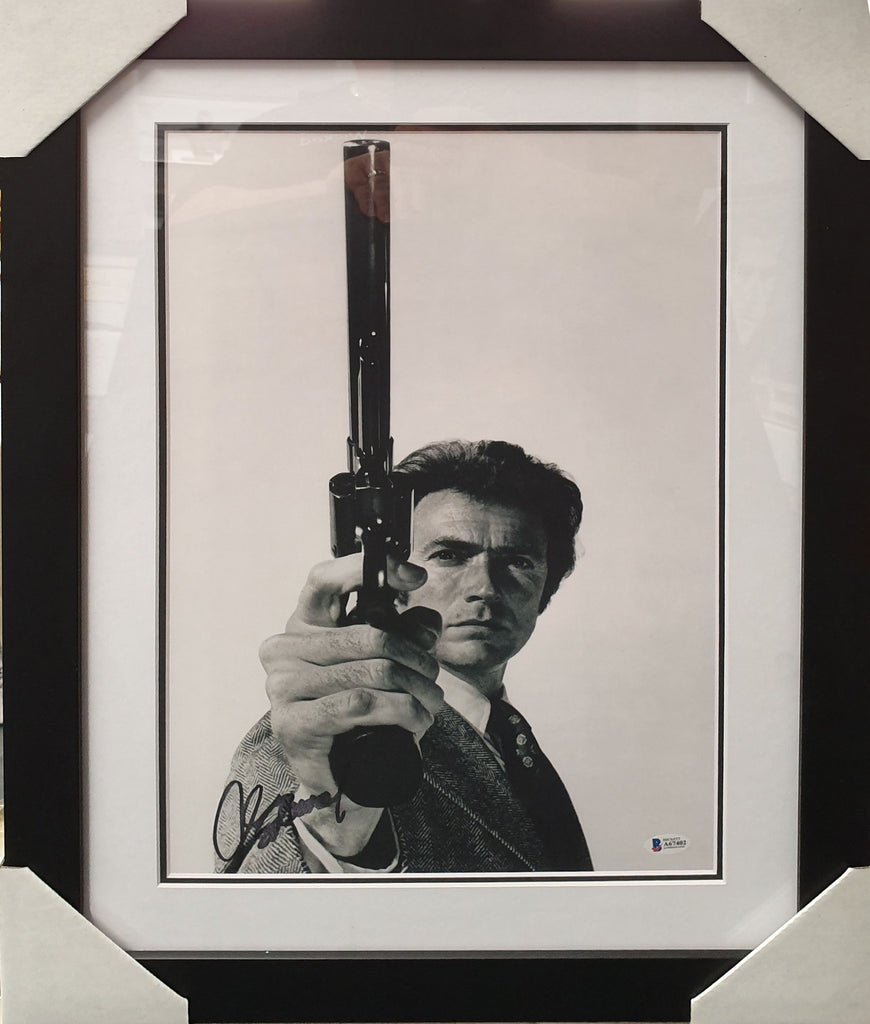 Clint EASTWOOD - Dirty Harry Magnum Signed & Framed Beckett Authenticated