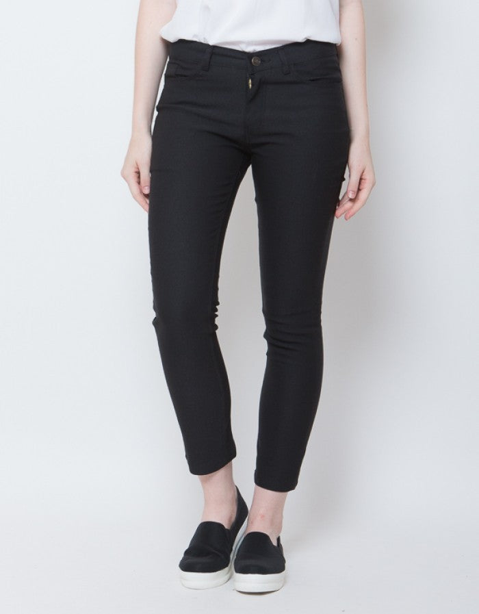 WOMEN FITTED PANTS - BLACK