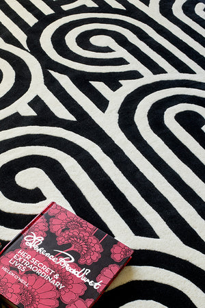 Turnabouts Hand Tufted Rug - Black & White