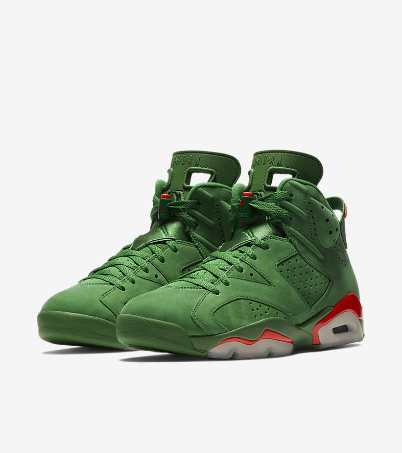 7ce1e699681 It arrives in Gatorade green, dressed in suede from top to bottom. Details  like a squeeze-bottle-inspired lace lock, sockliner graphic and embroidered