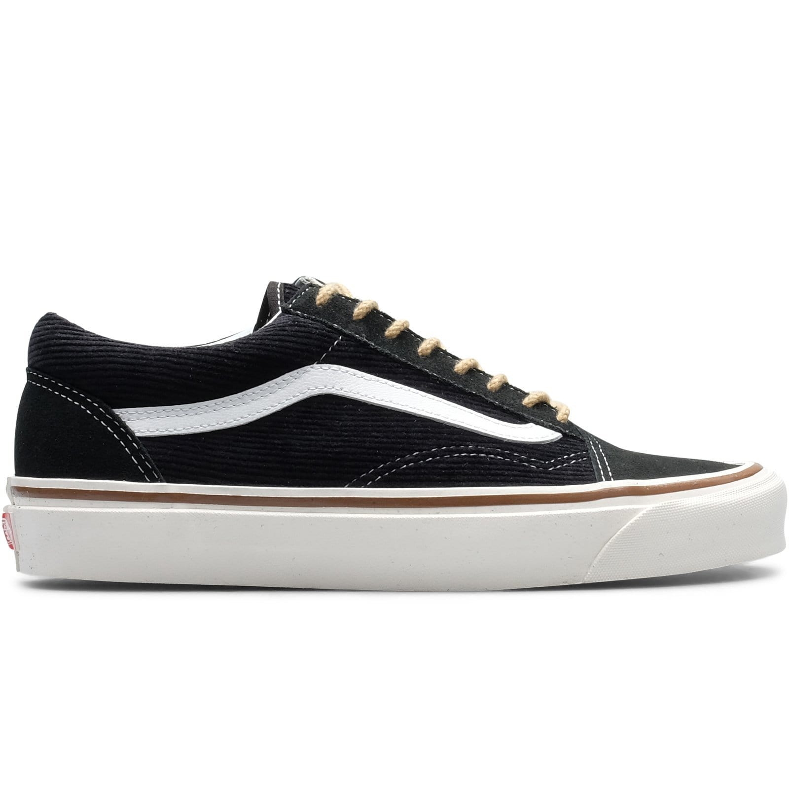 17e9f5c722 Vault by Vans OLD SKOOL 36 DX (suede corduroy) OG Black