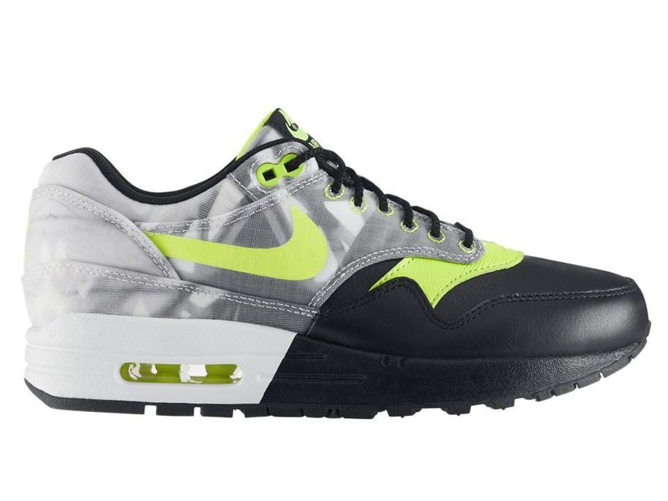 the latest b17d6 00a25 WMNS Air Max 1 FV QS