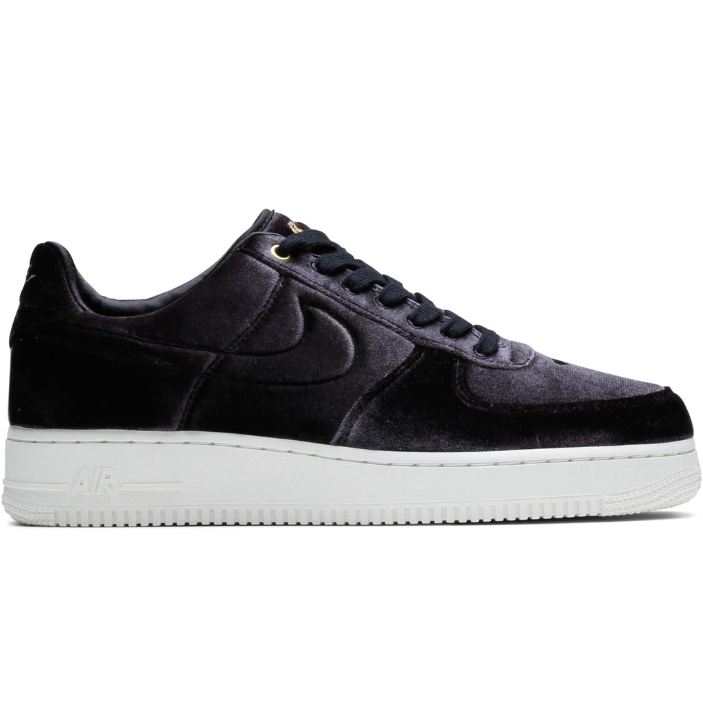Nike AIR FORCE 1  07 PREMIUM (Black Black-Sail-Metallic Gold c1bbece77