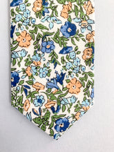 Load image into Gallery viewer, Peachy Floral Tie