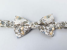 Load image into Gallery viewer, Garden Floral Bow Tie