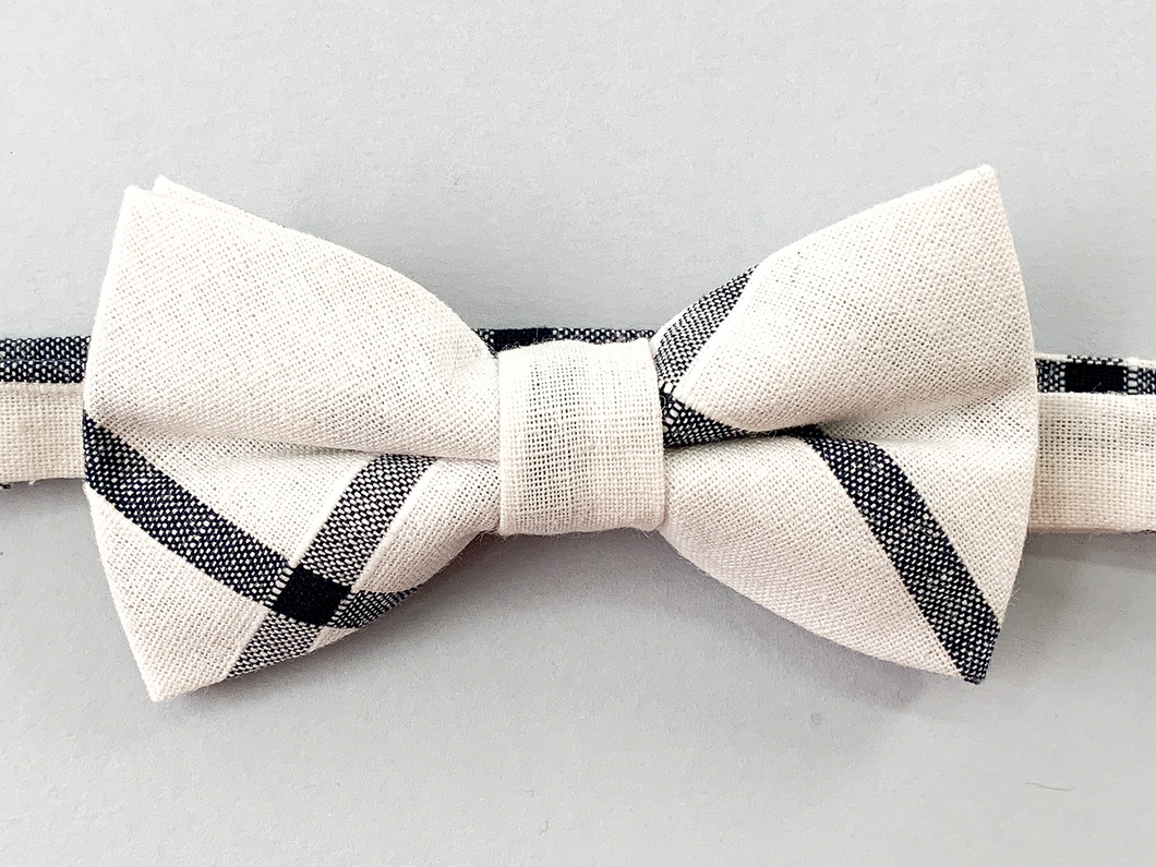 Cascade Plaid Bow Tie