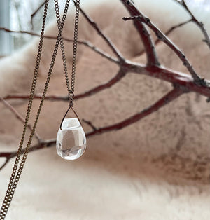 Single Teardrop Quartz