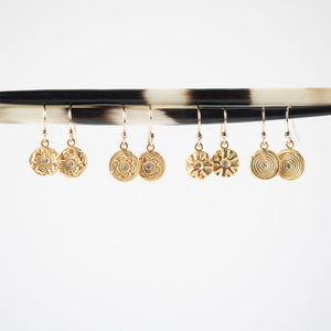 Zen Circles Hanging Earrings Gold - MAS Designs