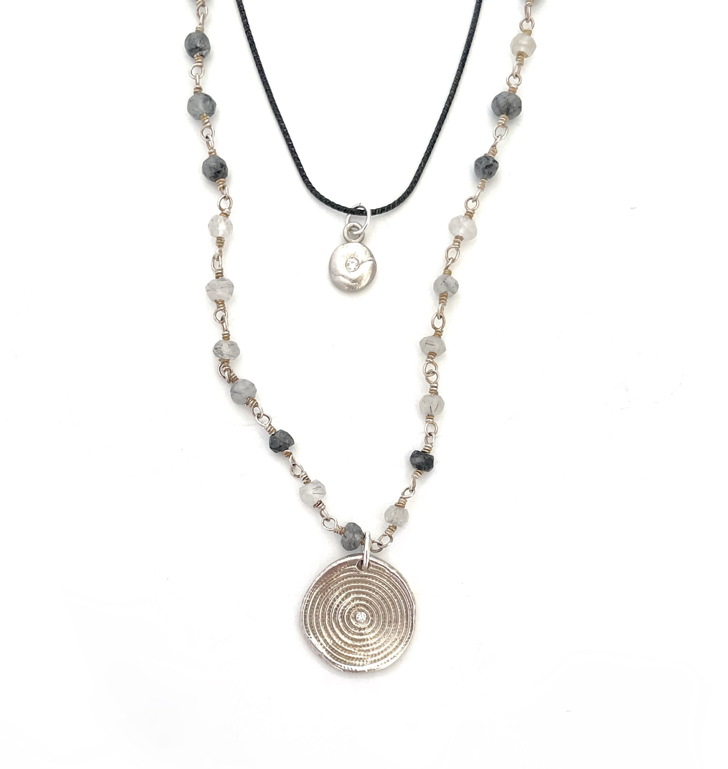 Pre-Layered Look: Three Necklaces Silver
