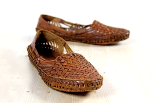 7 Tips to Maintain Kolhapuri Chappals & Leather Products At Home