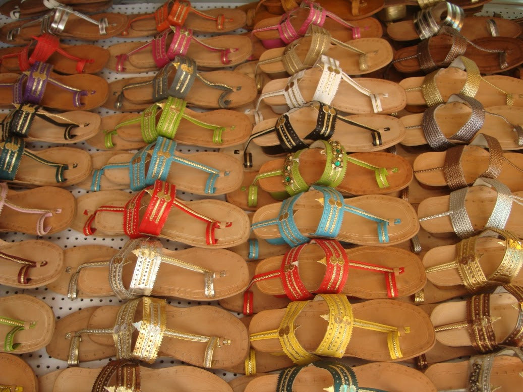 Monday, October 15, 2012 Kolhapuri chappals