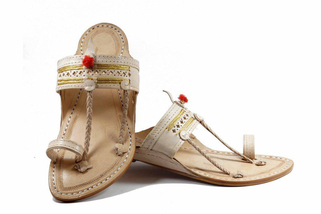 white Color Senapati Shape  golden jari belt hand stitched leather Kolhapuri chappal for Men