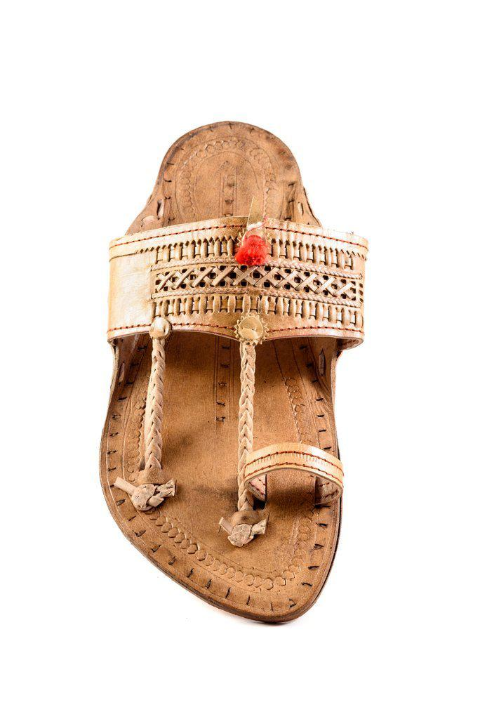 Senapati Shape Red Gonda Veni Belt(Patta) detailed punching  Kolhapuri chappal for Men