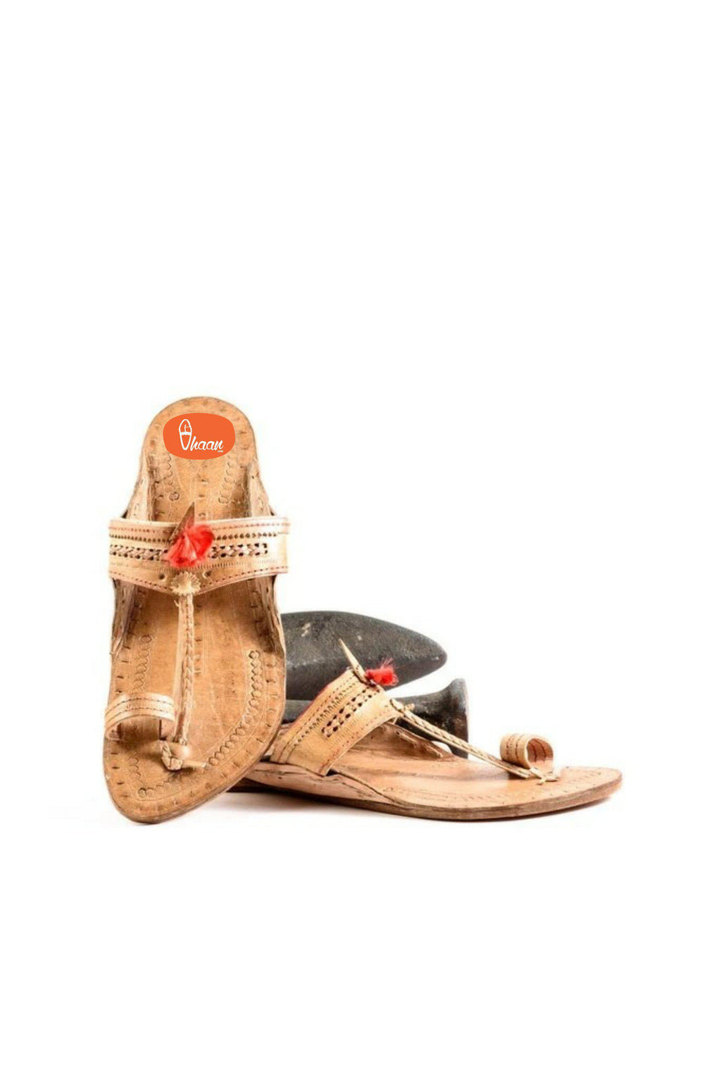 Purely Crafted Senapati Shape Red Gonda 4 Veni Belt Handcrafted Kolhapuri chappal for women