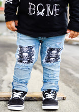 Load image into Gallery viewer, Skull Jeans