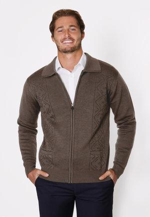 peter-webbers-menswear - ZIP PATTERN CARDIGAN - CLOTHING