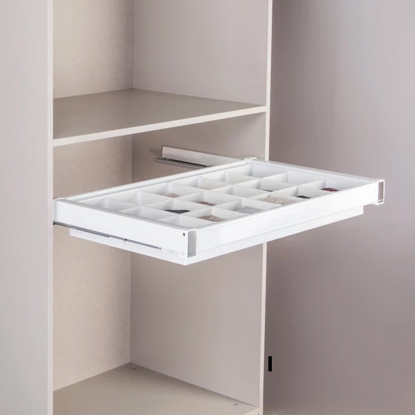 Pull-out tray set with insert cutlery