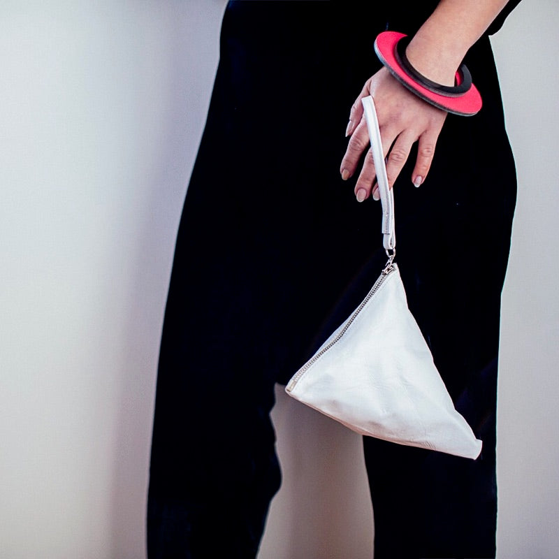 Triangle Clutch | White