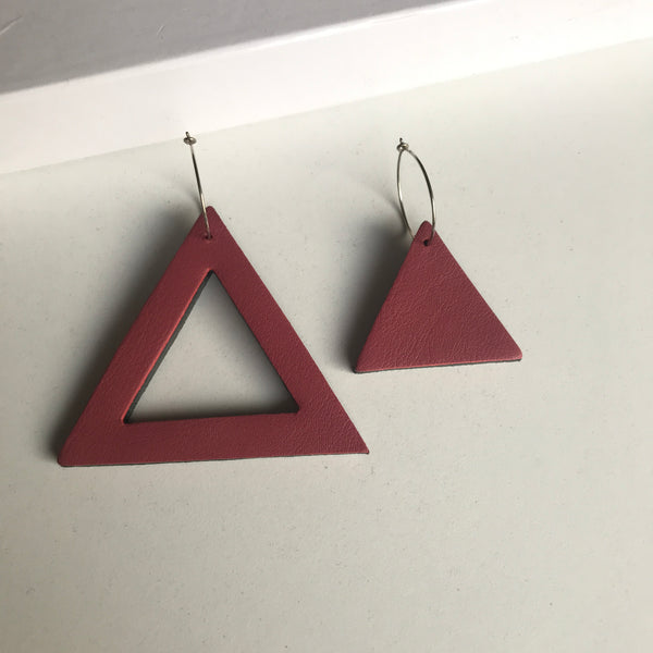 Geo Mini Triangle Earrings | Dusty Pink-SMENA