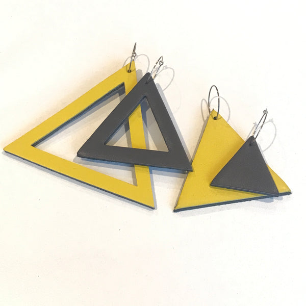 Geo Mini Triangle Earrings | Charcoal-SMENA